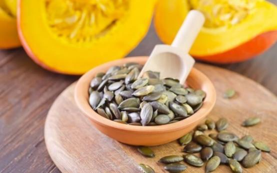 Польза и вред тыквенных семечек для мужчин