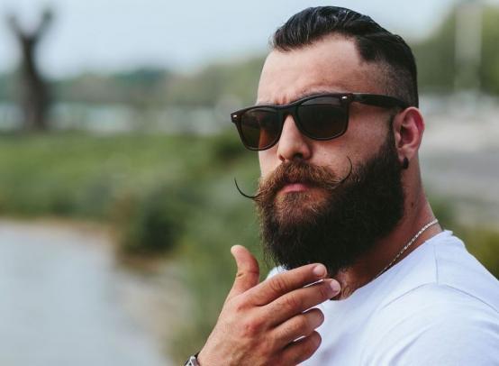 Как сделать густую и ровную бороду мужчине
