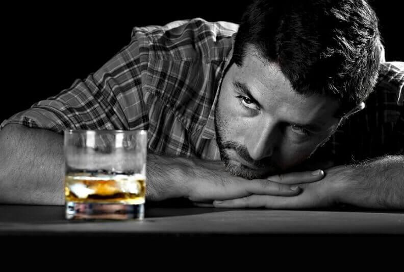 Как алкоголь влияет на потенцию мужчины: можно ли употреблять, меры профилактики