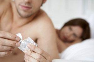 Какие еще существую причины потери эрекции в презервативе?