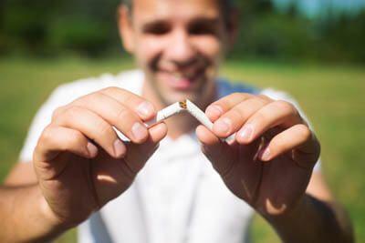 Как лучше бросать курить: сразу или постепенно?