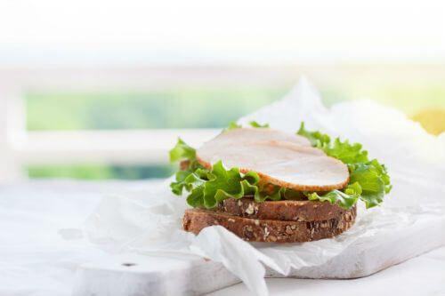 6.Бутерброды с колбасами и сыром